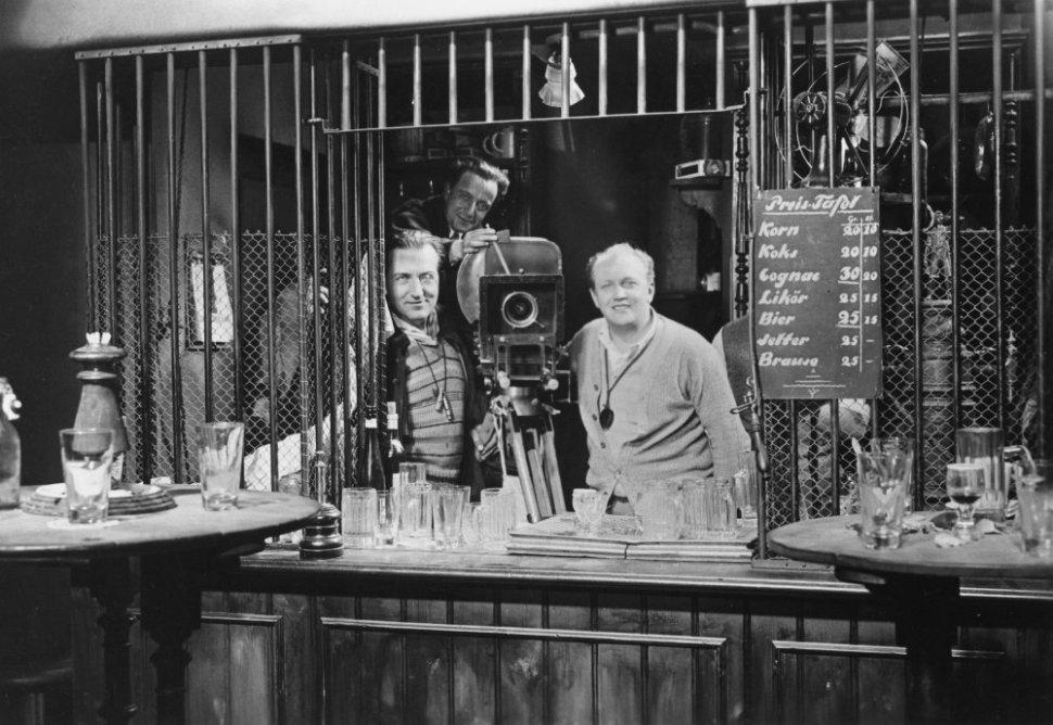 m-1931-009-fritz-lang-cameraman-filming-00n-110